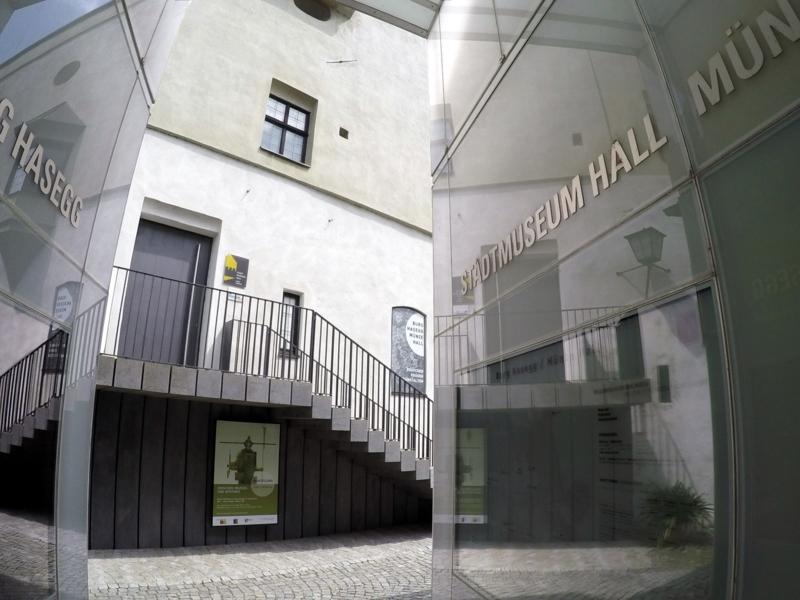 Westlicher Eingang in die Burg Hasegg zum Stadtmuseum