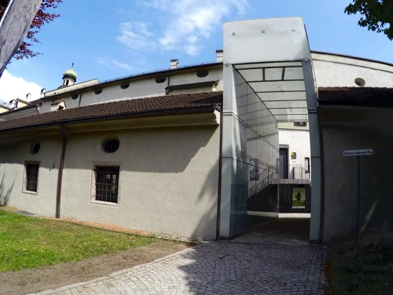 Westseitiger Eingangsbereich zum Stadtmuseum in der Burg Hasegg